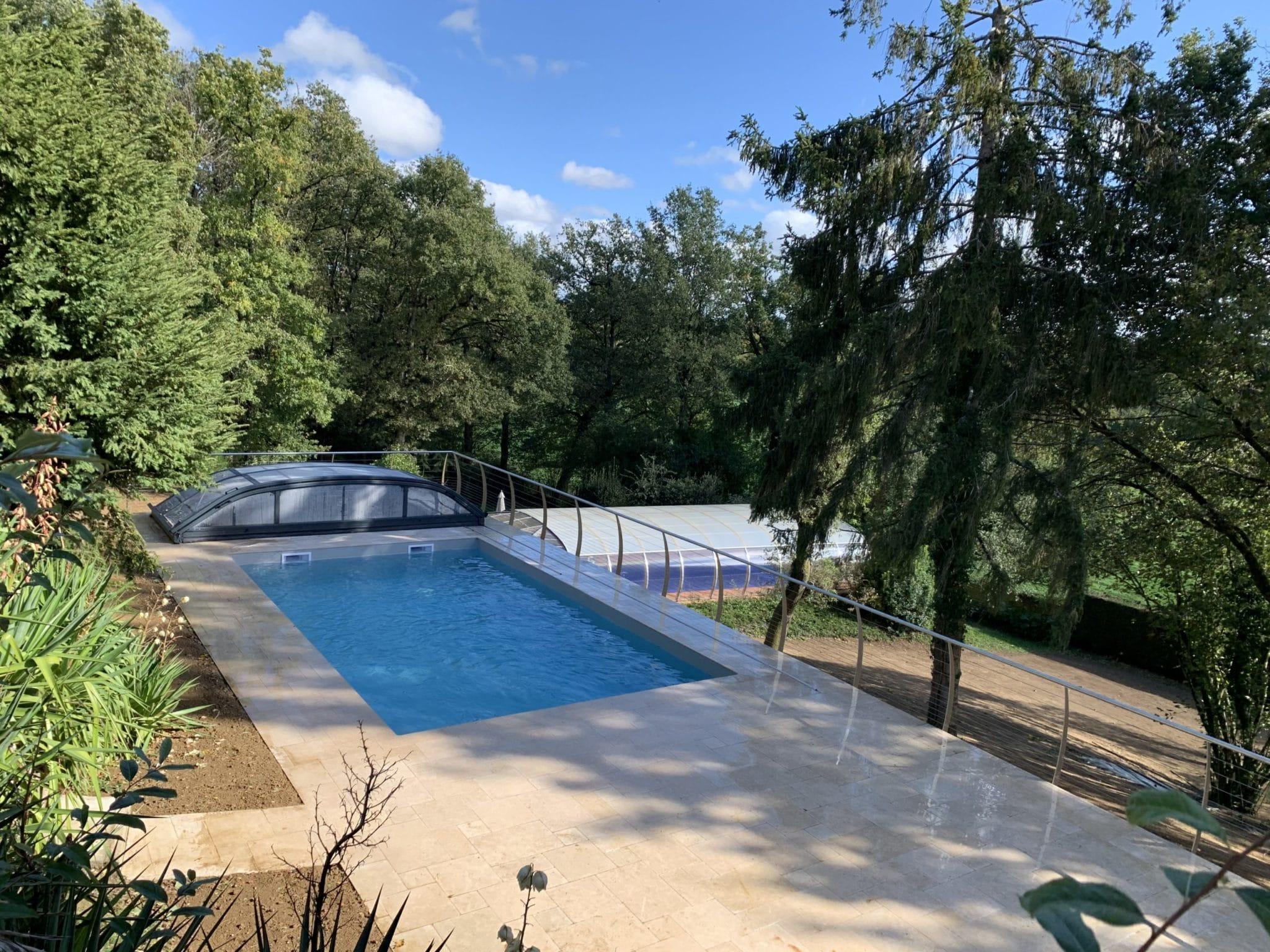 piscine traditionnelle cholet avec abri piscine réalisation